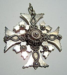 Ornate sterling silver vintage cross (Image1)