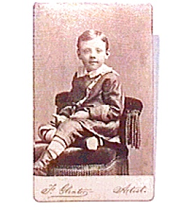 Young Boy vintage Carte de Visite photo (Image1)