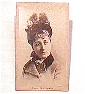 Young Woman in Hat vintage Carte de Visite photo (Image1)