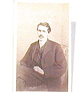 Man in Chair vintage Carte de Visite photo (Image1)