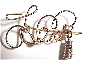 Leo Zodiac Gold Wire Brooch (Image1)