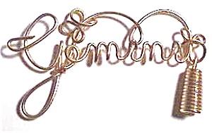 Gemini Zodiac Gold Wire Pendant (Image1)