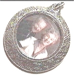 Click to view larger image of Single Picture Silverplate Locket (Image1)