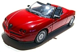 Alfa Romeo Spider die cast metal 1/18 scale model car