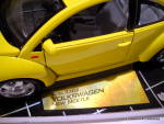 Click to view larger image of Volkswagen New Beetle 1998 die cast car (Image2)