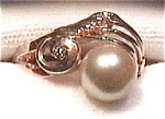 14K gold genuine cultured pearl ring