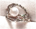 Pearl in 14K White Gold