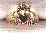 Click here to enlarge image and see more about item fj22: Vintage 9K Gold Irish Claddagh ring