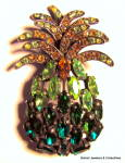 Pineapple design large vintage brooch on pin
