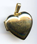 Click to view larger image of 14k yellow gold heart locket (Image1)