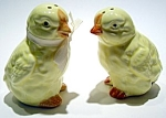 Click here to enlarge image and see more about item sps24chicks: Baby chicks salt and pepper set
