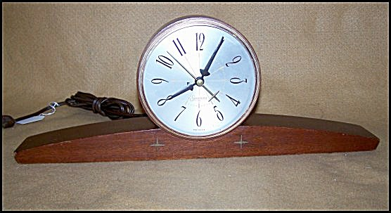 Vintage 1950's Sessions Electric Table Clock (Image1)
