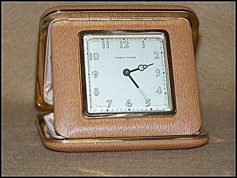 Vintage Phinney-Walker Brown Leather Travel Clock (Image1)