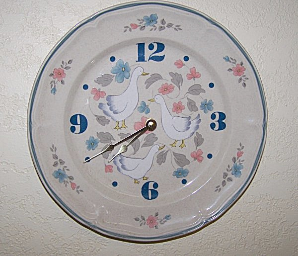 Glazed Floral & Geese Plate Wall Clock (Image1)