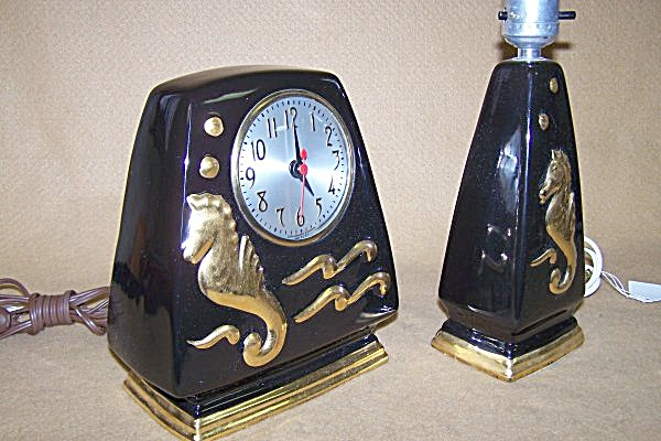 1940's Highly Collectible Sessions Clock/Lamp Set (Image1)