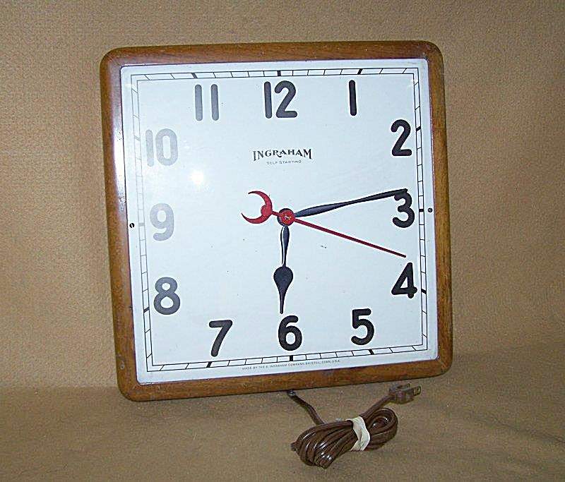 Vintage 1950's Ingraham Electric Large Wall Clock (Image1)