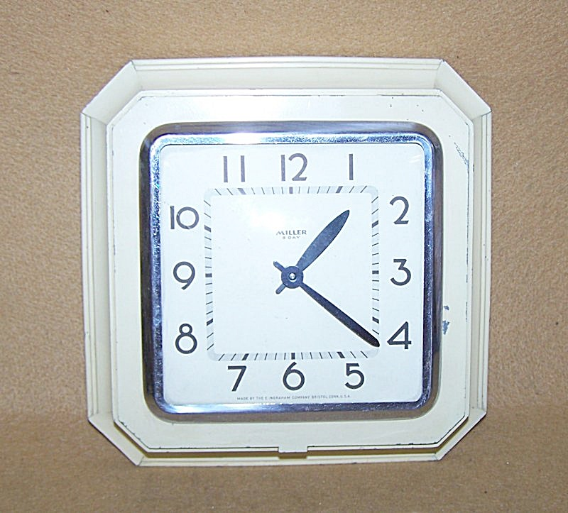 Vintage 8 Day Windup Clock