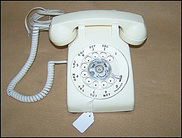 Vintage Stromberg-carlson Ivory Color Dial Telephone