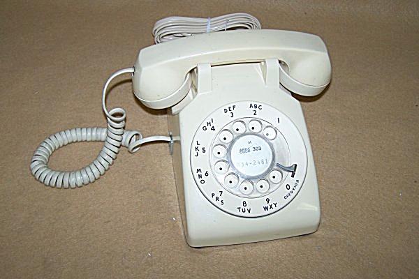 Vintage Western Electric Beige Dial Telephone 4067 (Image1)
