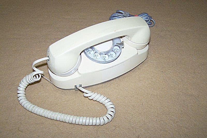 Vintage Western Electric Beige Dial Princess Phone (Image1)