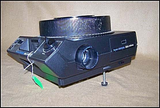 Kodak Carousel 35mm Slide Projector Model 5200 w/Screen (Image1)
