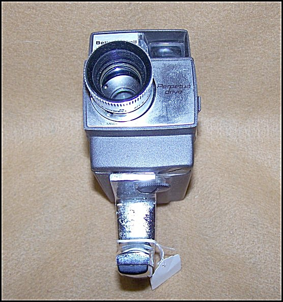 Bell & Howell Super 8 Optronic Eye Movie Camera 7137 (Image1)