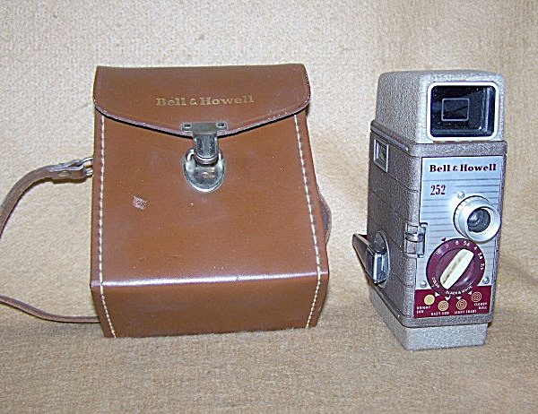 Bell & Howell 252 8mm Film Movie Camera W/case 7307