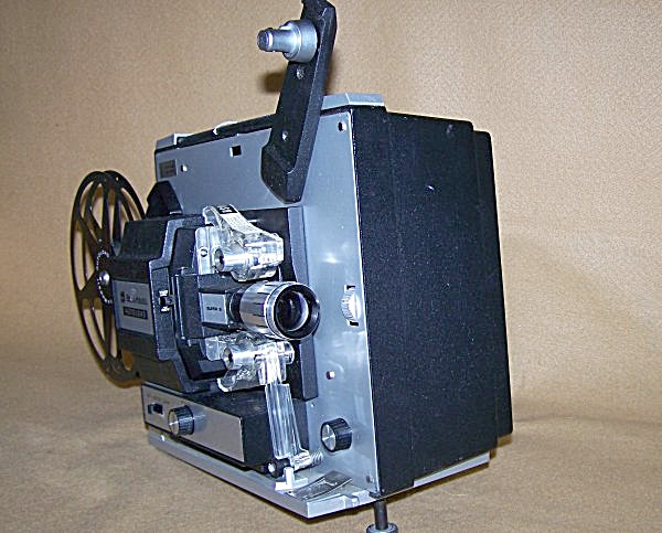 Bell & Howell Super 8 Model 461A Movie Projector 7476 (Image1)