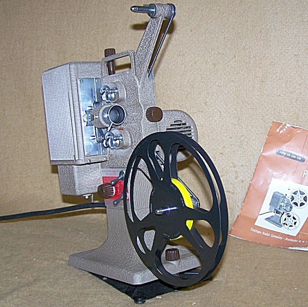 1939 Kodascope Eight-71a 8mm Movie Projector 7499