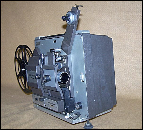 Bell & Howell Dual 8 Model 456A Movie Projector (Image1)