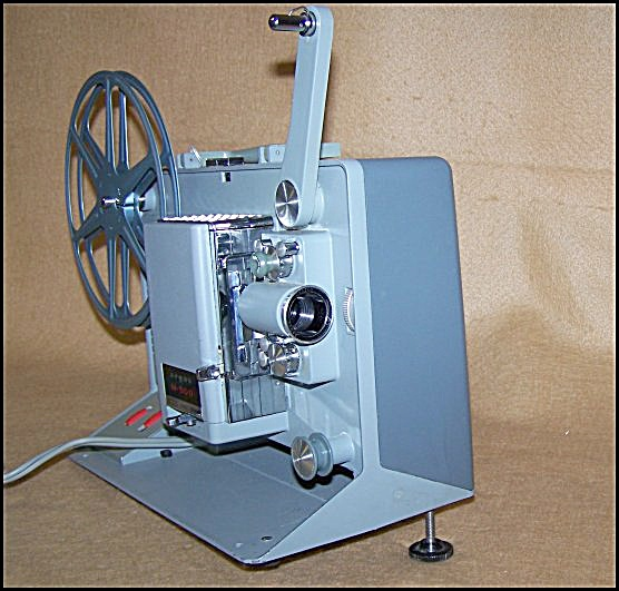 Vintage Argus Model 500 8mm Movie Projector 7551 (Image1)