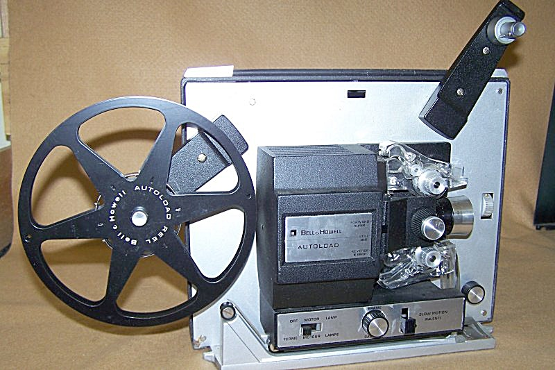 Bell & Howell Super 8 Model 462 Movie Projector 7615 (Image1)