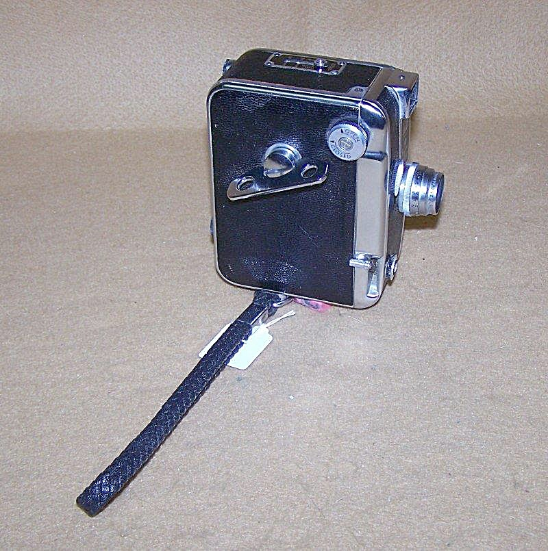 Vintage Dejur 8mm Mod D-100 Movie Camera