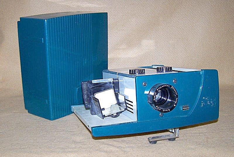 Vintage Green Kodak Model 300 35mm Slide Projector (Image1)
