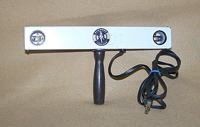 Vintage Harwood 2 Lamp Movie Flood Light Bar