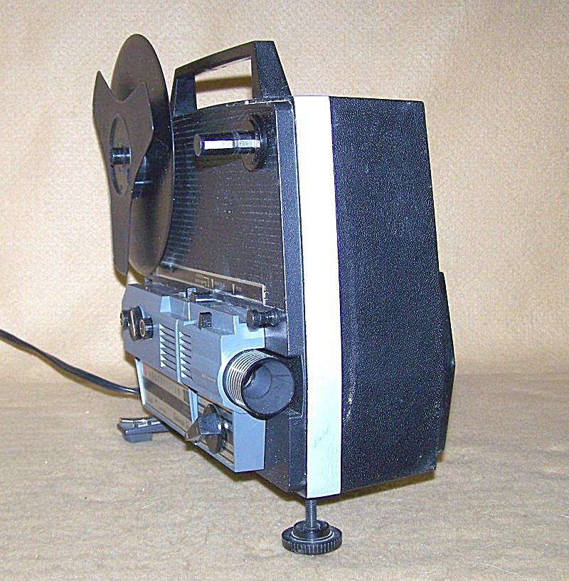 Vintage GAF Dual 8 Autoload Movie Projector Model 688 (Image1)