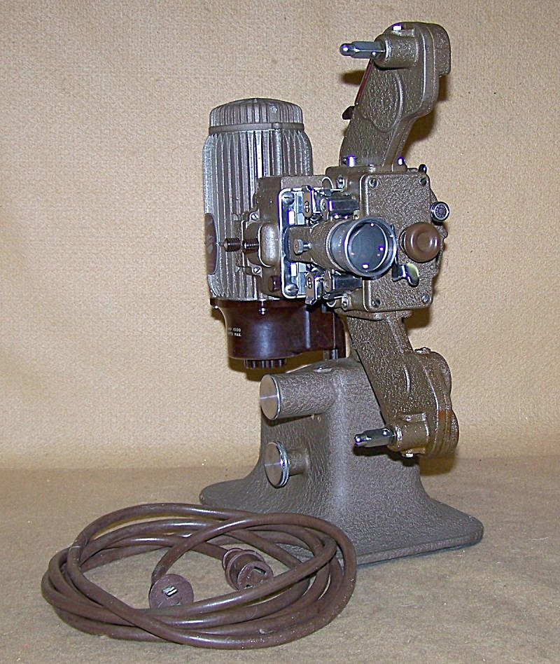 Bell & Howell Filmo Diplomat 16mm Projector 7673