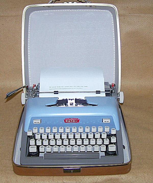 1963 Blue Futura 800 Royal Portable Typewriter (Image1)