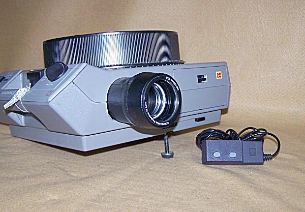 Kodak Ektagraphic Carousel Slide Projector w/Zoom 9543 (Image1)