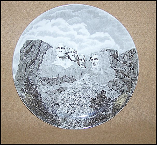 Commemorative Mount Rushmore Plate (Image1)