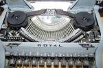 Click to view larger image of 1950 Royal Quiet DeLuxe Portable Typewriter 8215 (Image3)