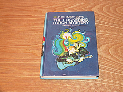 The Hardy Boys Series, The Flickering Torch Mystery, Book #22A (Image1)