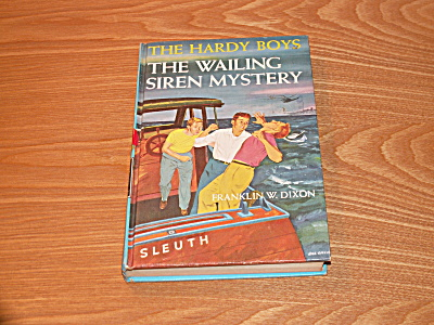 The Hardy Boys Series, The Wailing Siren Mystery, Book #30a