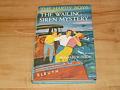 The Hardy Boys Series, The Wailing Siren Mystery, Book #30, B