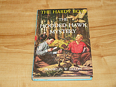 The Hardy Boys Series, The Hooded Hawk Mystery, Book #34 (Image1)