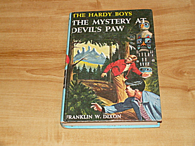 The Hardy Boys Series, The Mystery At Devil's Paw, Book #38