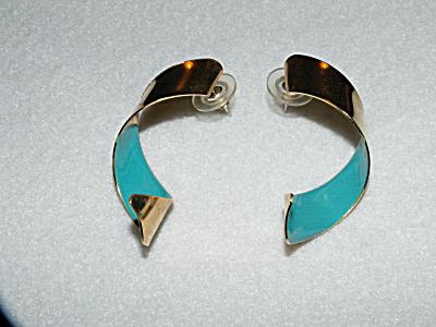 Vintage Costume Jewelry, Pair Pierced Earrings Curled Metal B (Image1)