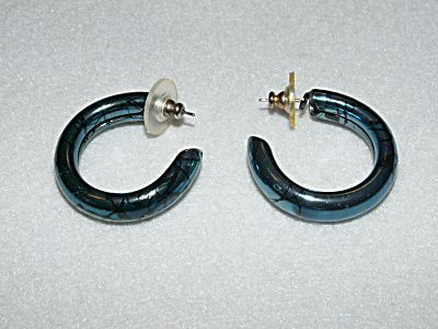 Vintage Costume Jewelry, Pair Pierced Earrings Curved Metal C (Image1)