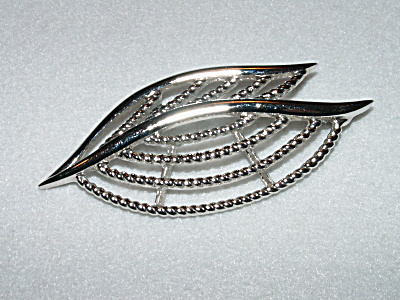 Trifari Vintage Signed Costume Jewelry Pin Brooch Silver-tone Metal