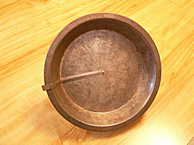 Vintage Tin Pie Plate With Easy Quick Release Rotating Arm A